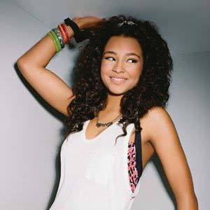 Jessica Jarrell - Shoot For The Stars Lyrics