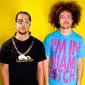 LMFAO - Drinks On Me Lyrics