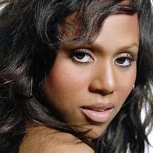 Deborah Cox- House Is Not A Home Lyrics