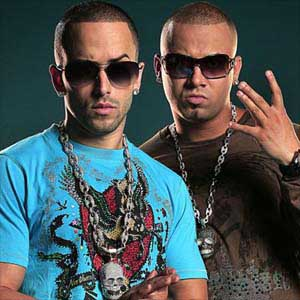 Wisin Y Yandel- Me Estas Tentando Lyrics