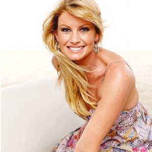 Faith Hill - Give In To Me Lyrics