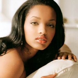 Lola Monroe - Dark Red Lipstick Lyrics