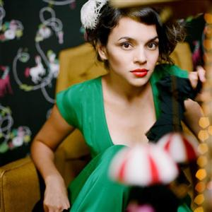 Norah Jones - Everybody Needs A Best Friend Lyrics